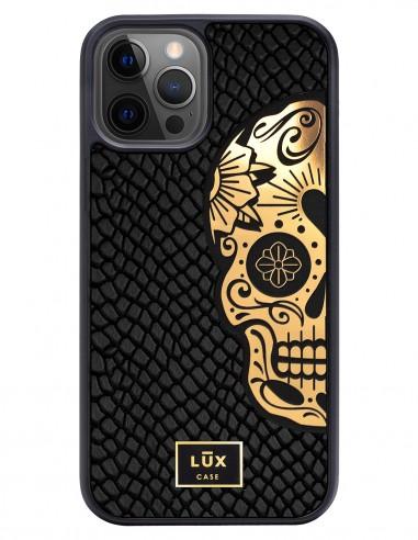 Etui premium skórzane, case na smartfon APPLE iPhone 12 PRO. Skóra iguana czarna ze złotą blaszką i złotą czaszką.