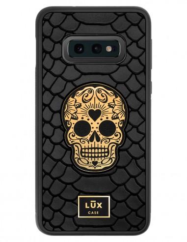 Etui premium skórzane, case na smartfon SAMSUNG GALAXY S10E. Skóra python czarna mat ze złotą blaszką i złotą czaszką.
