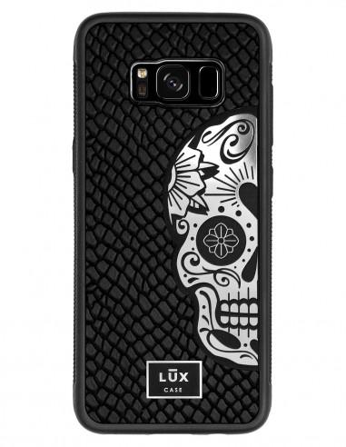 Etui premium skórzane, case na smartfon SAMSUNG GALAXY S8. Skóra iguana czarna ze srebrną blaszką i czaszką.